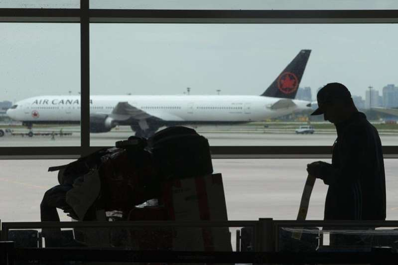 Pandemic issues prompt recent immigrants to leave Canada